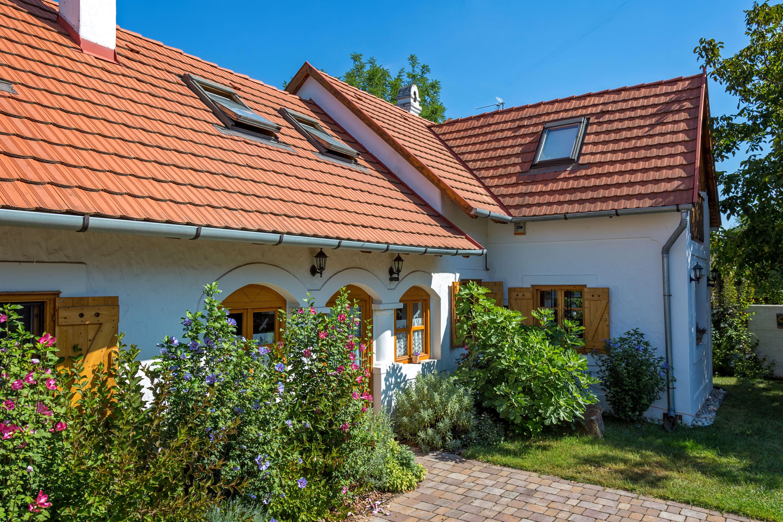 Egyre népszerűbbek a kemencés kertes házak