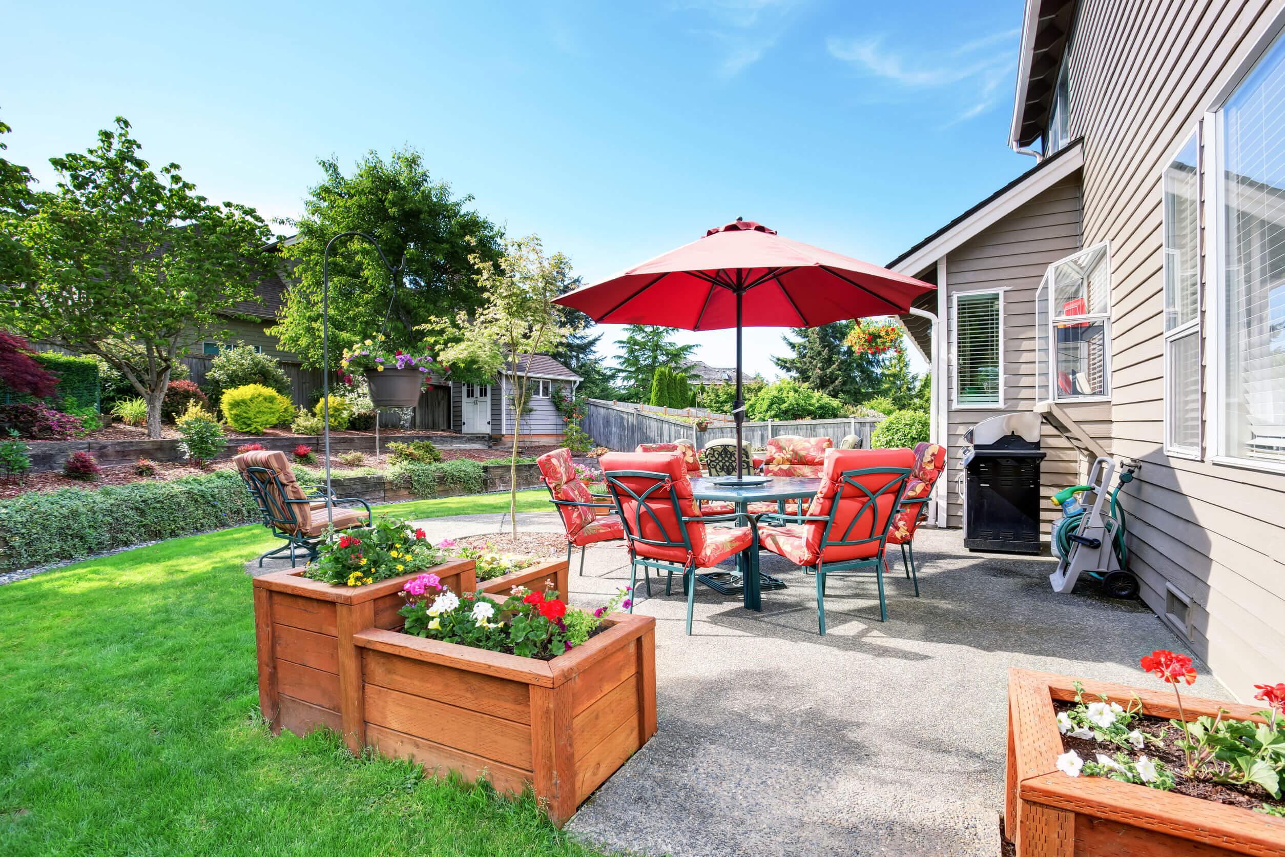 Sziesztázz a kertes családi házak árnyékában!