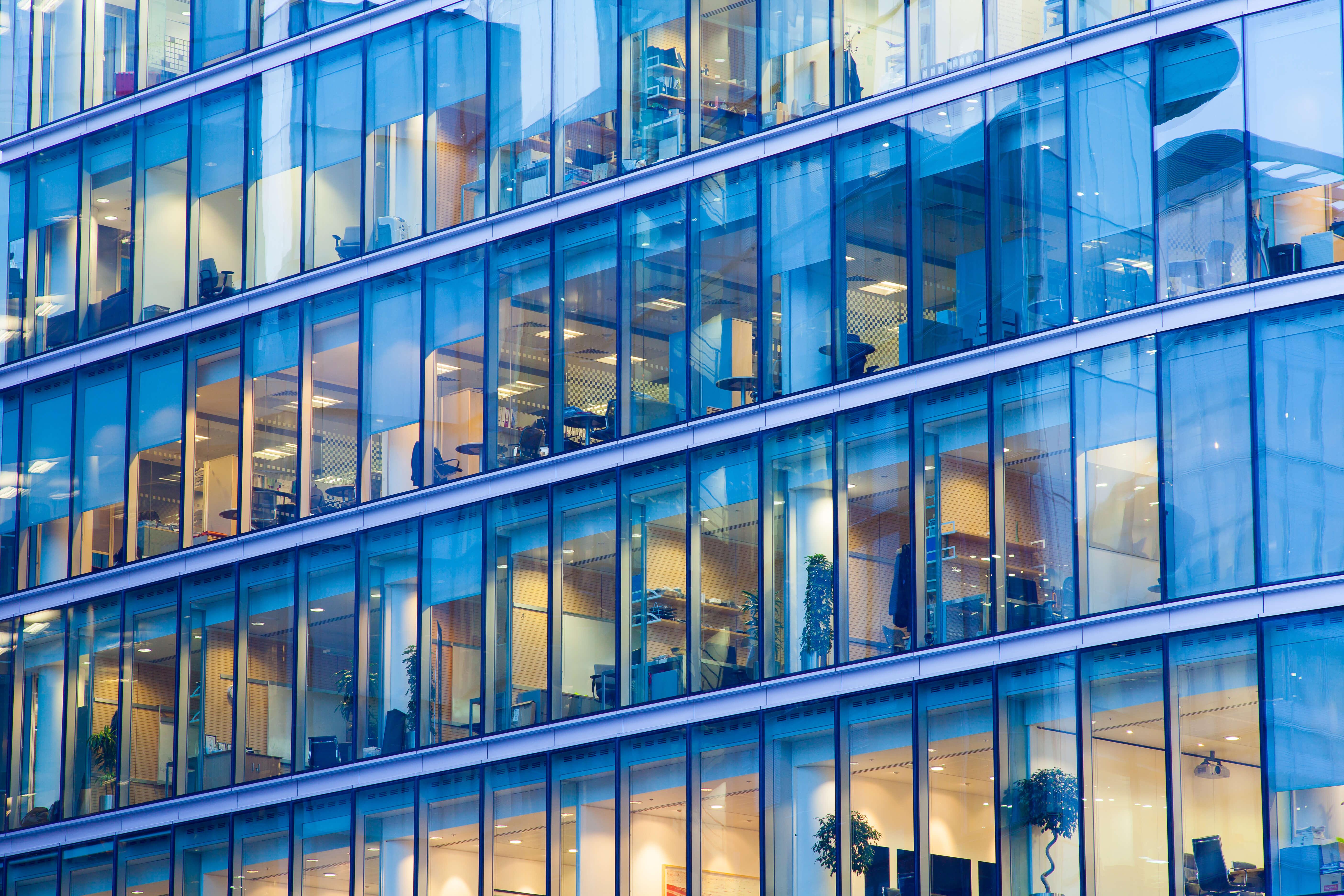 Az építészmérnökök hátat fordítanak az üveg dizájnnak?