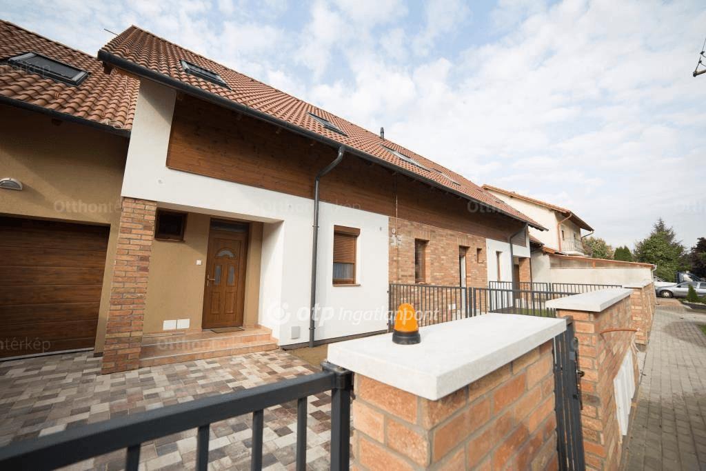 Szép sorházak és takaros házrészek várnak Gyulán