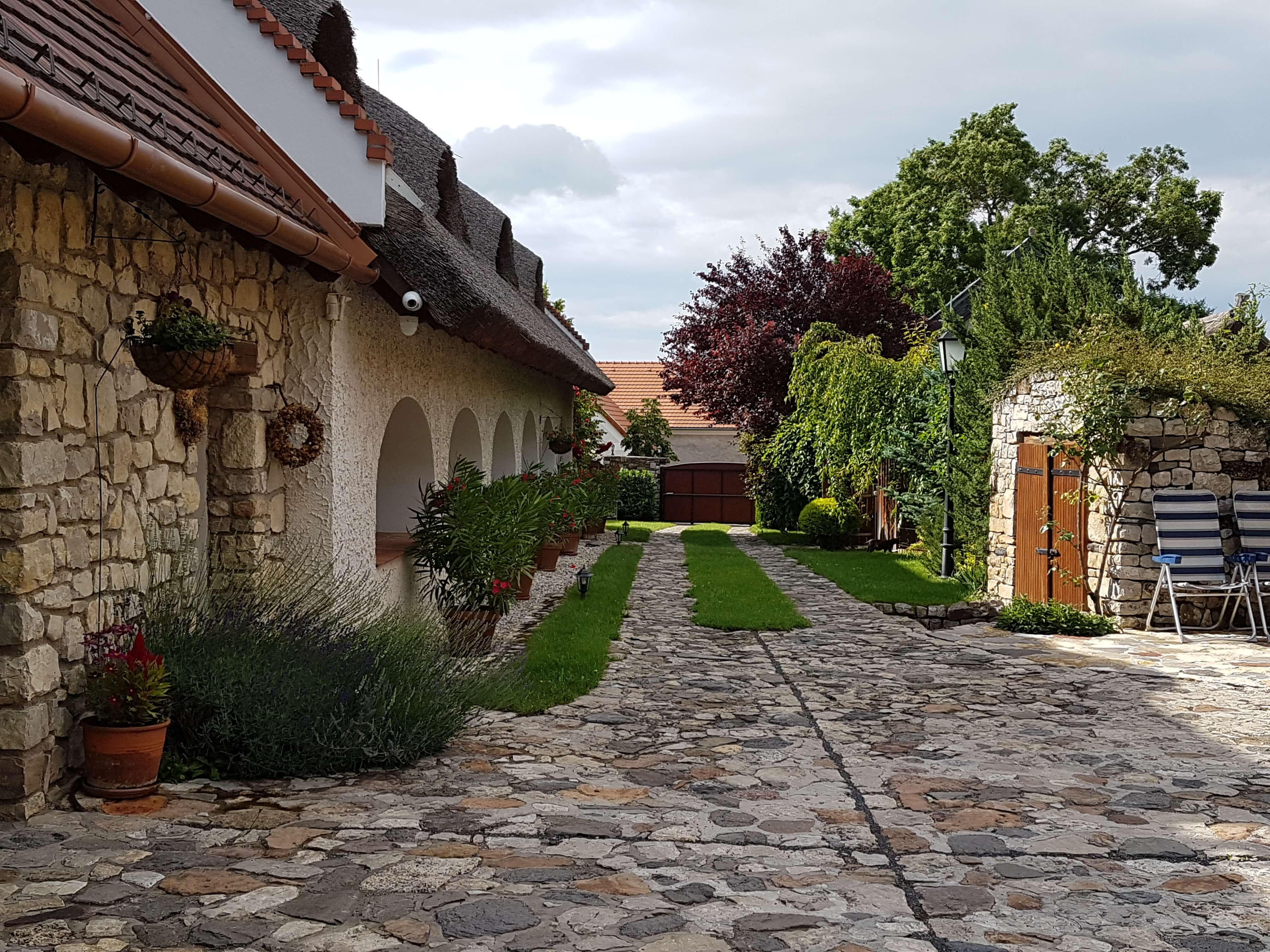 Balaton-felvidék: íme egy gyönyörű parasztház!