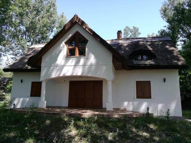 Ahová magyar Mercivel érdemes menni: csodás, romantikus ház Kerekegyházán