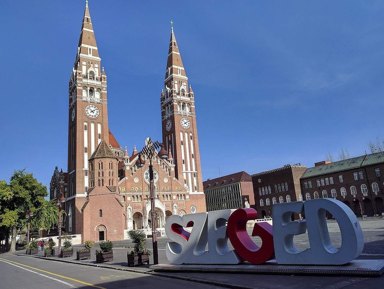 Ha Szeged, akkor csakis a belvároshoz közel, de 25 millió alatt