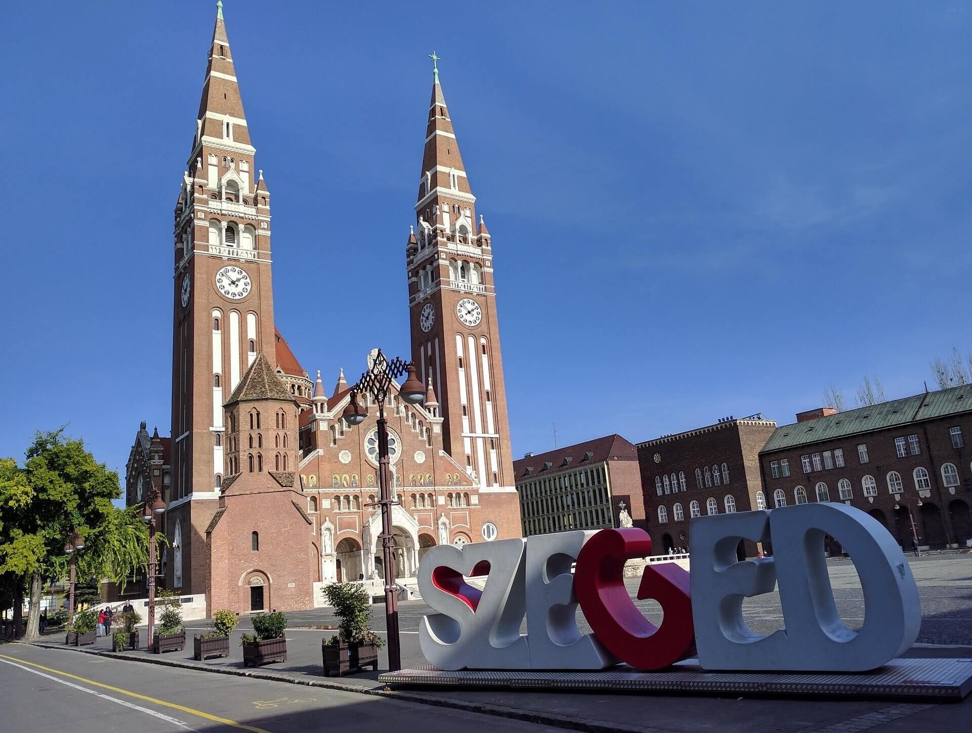 Tágas lakások Szegedről 25 millió alatt