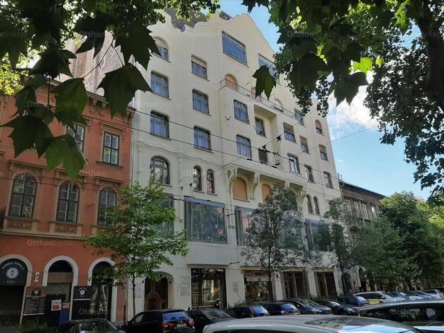 Nagy lakás 40 millió alatt, közel a Király utca és a Nagymező utca sarkához