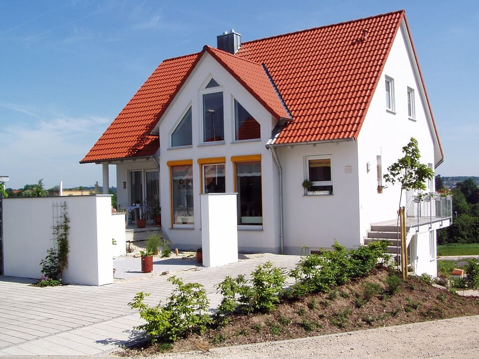 Szép családi házakat hozunk Pestről, méghozzá reális áron
