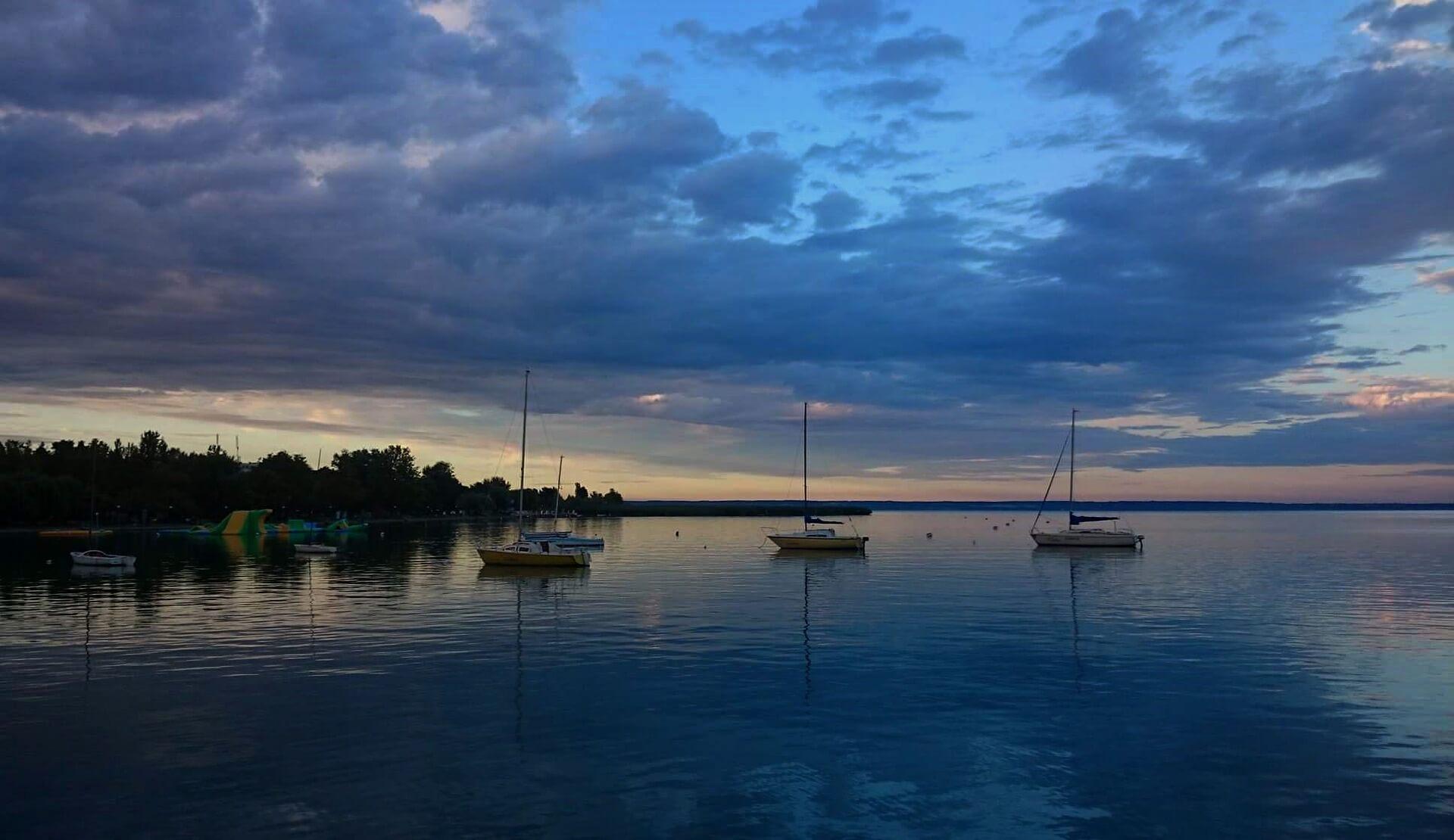 Ha idén is elmaradna a külföldi nyaralás: megfizethető nyaralók a Balatonon!