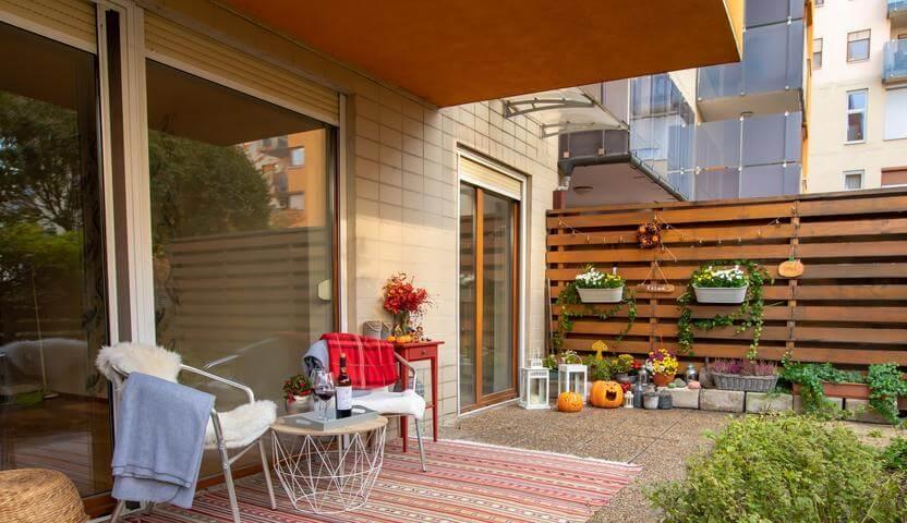 Home office akár a kertben, egy szép kis lakásban, Óbudán