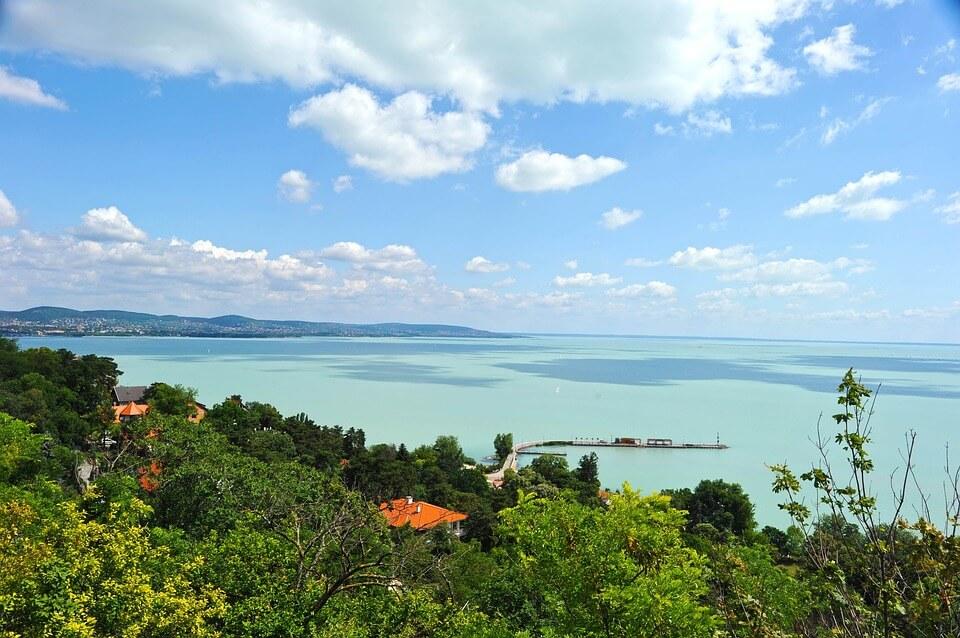 Ezek most a legszebb nyaralók a Balaton északi partjáról és környékéről