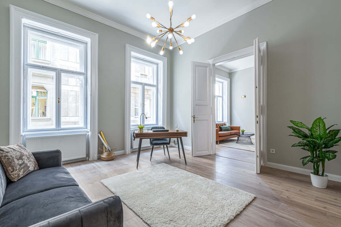 Ilyen egy elegáns polgári lakás a pezsgő belvárosban!