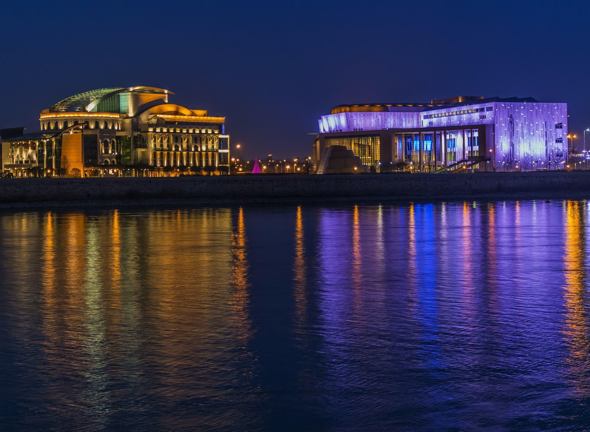 Válassz vízparti új otthont a fővárosban vagy a Balaton-parton!