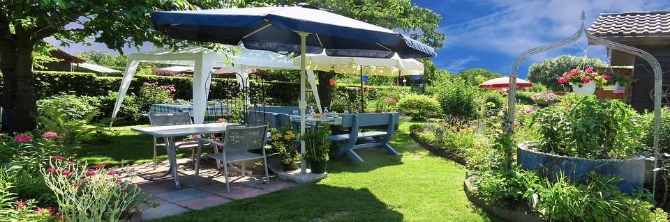 Milyen anyagból legyen a kerti bútor?