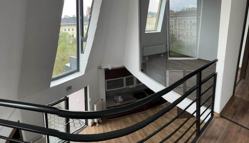 A nagykörút ékköve: éljen egy modern kialakítású tetőtoronyban