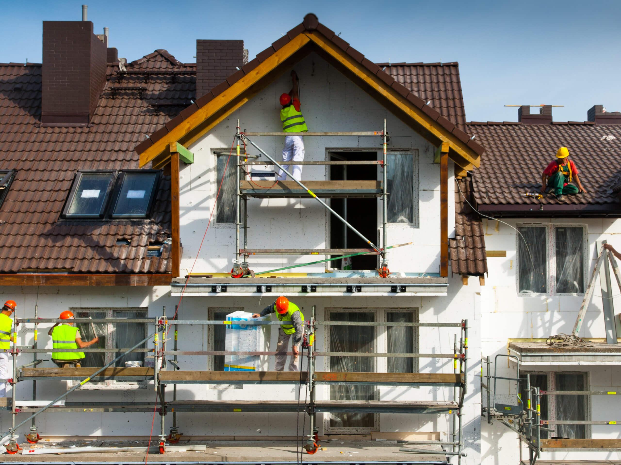 Szigetelnénk a házat! Mire figyeljünk, hogyan válasszunk szigetelőanyagot?